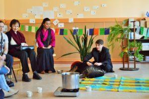 Valga Gümnaasiumi_The Colourful World_Tiibeti töötuba